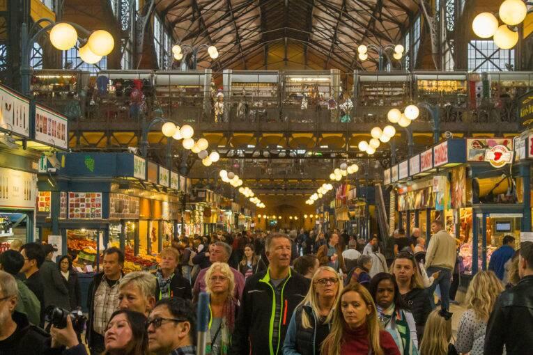 Vão principal do Mercado Central de Budapeste | Foto: Bruno/@naproadavida - O que fazer em Budapeste de graça
