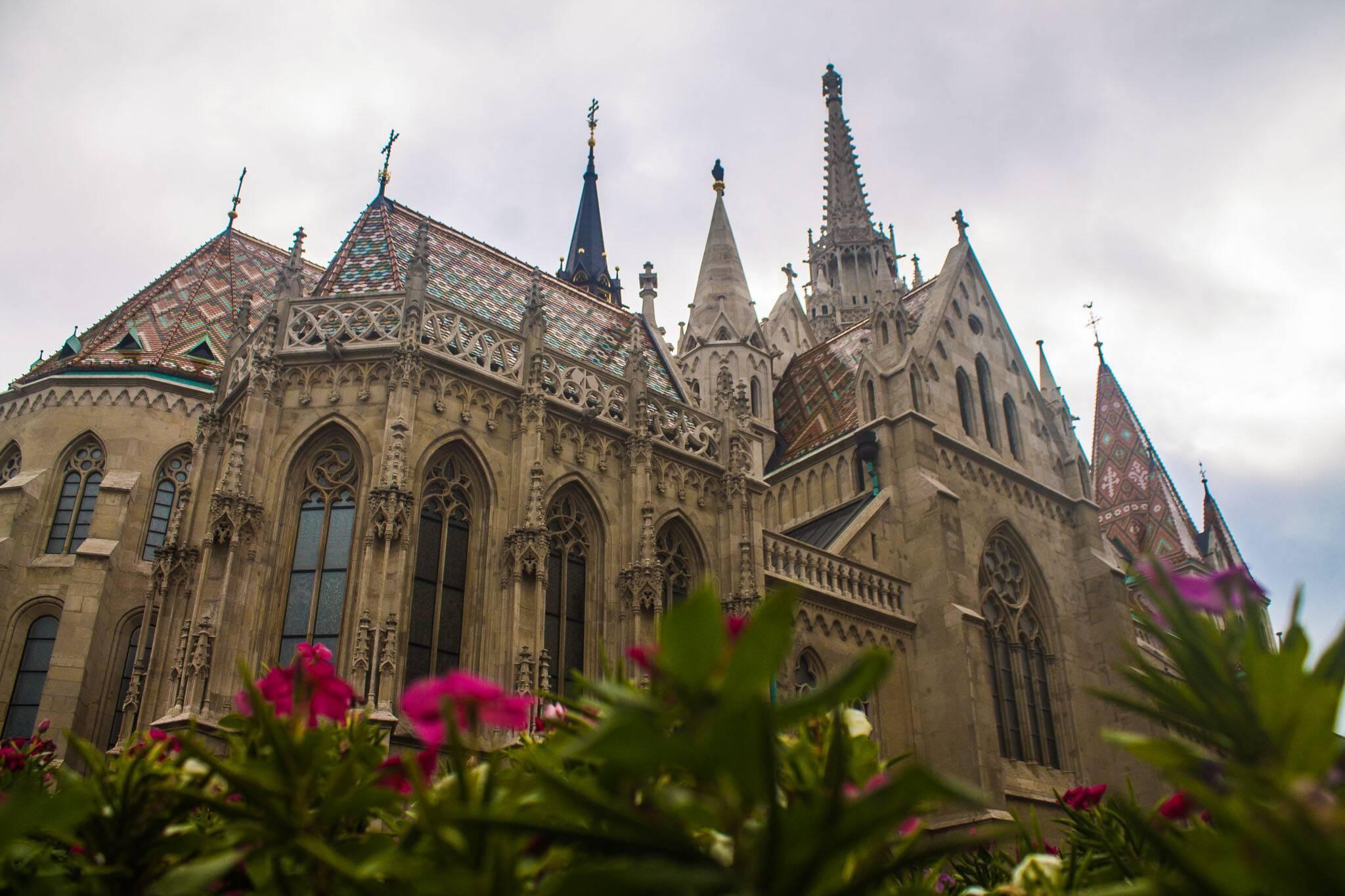 A linda Igreja de Matthias (Matthias Church) em Budapeste | Foto: Bruno/@naproadavida - O que fazer em Budapeste de graça
