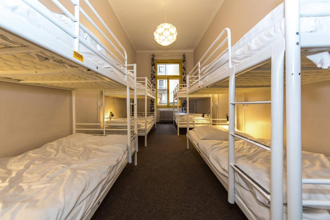 Quarto compartilhado do Hostel Orange, em Praga   Foto: divulgação