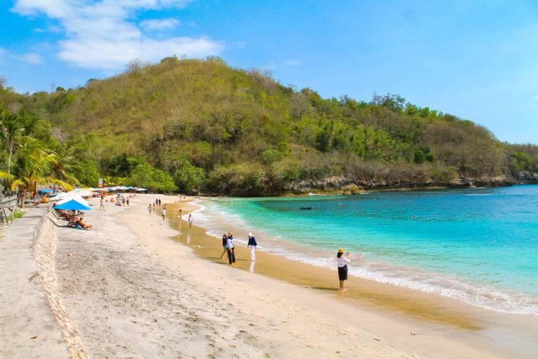 A praia de Crystal Bay em Nusa Penida, Indonésia. | Foto: Bruno/@naproadavida - taxa de entrada em nusa penida