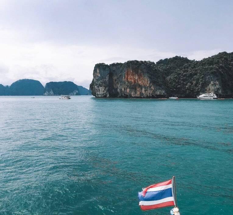 Navegando por Phang Nga Bay, Tailândia.