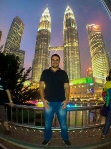 Visitando as Petrona Towers na Malásia.