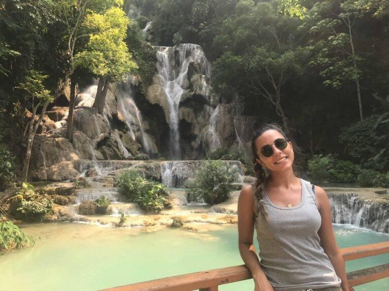 Nas famosas cachoeiras Kuang Si Falls, no Laos - @donatocarol - viajar e trabalhar
