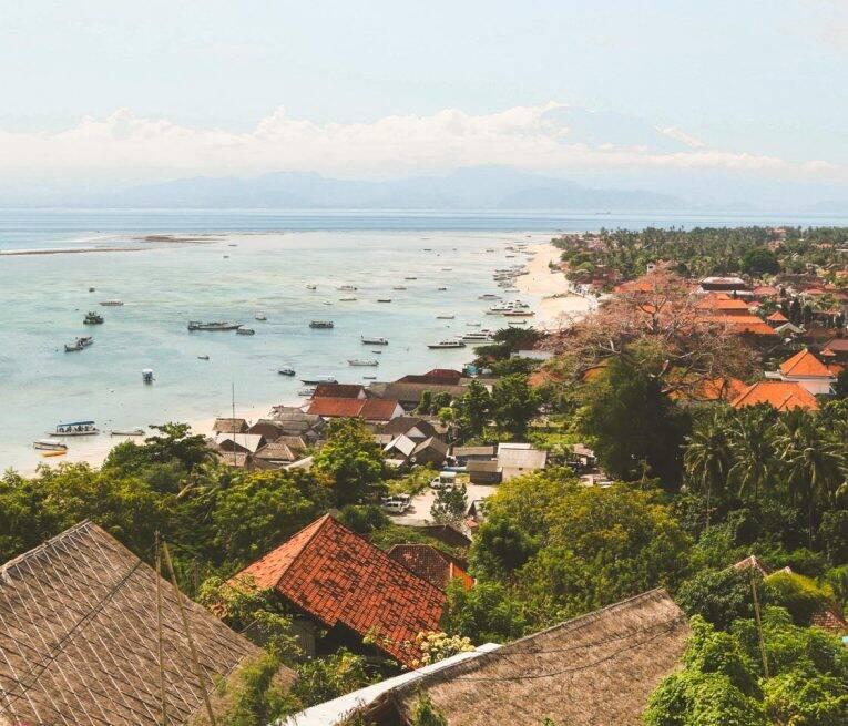 Vista de Jungut Batu desde a parte alta da ilha.