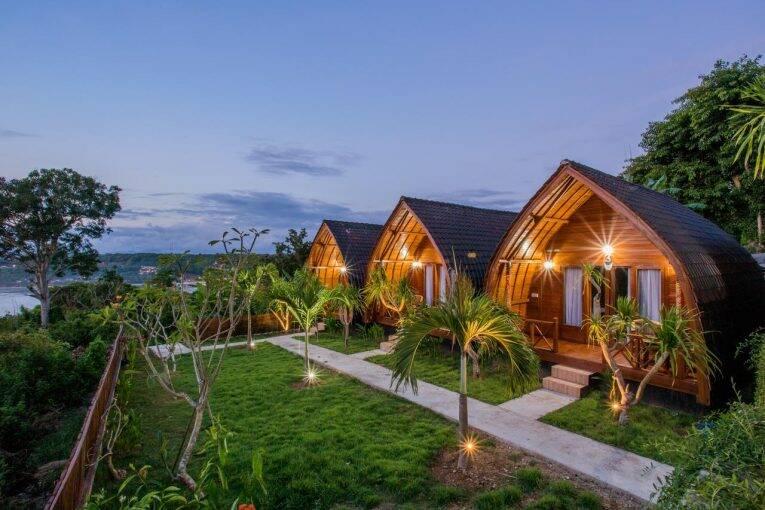 Cabanas do Pandawa Hills e a vista para a baía | Foto: divulgação/booking