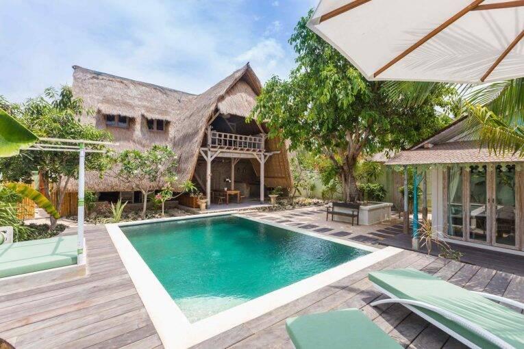 a piscina e as villas do Villa Kasih Lembongan | Foto: divulgação/booking