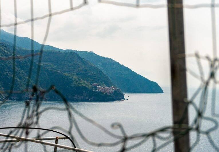 O vilarejo de Manarola visto desde o mirante em Corniglia. Foto: Bruno/@naproadavida