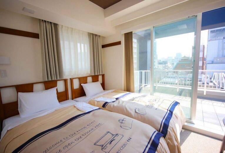 Quarto do Emit Shibuya Hotel em Tóquio | Foto: Booking/divulgação