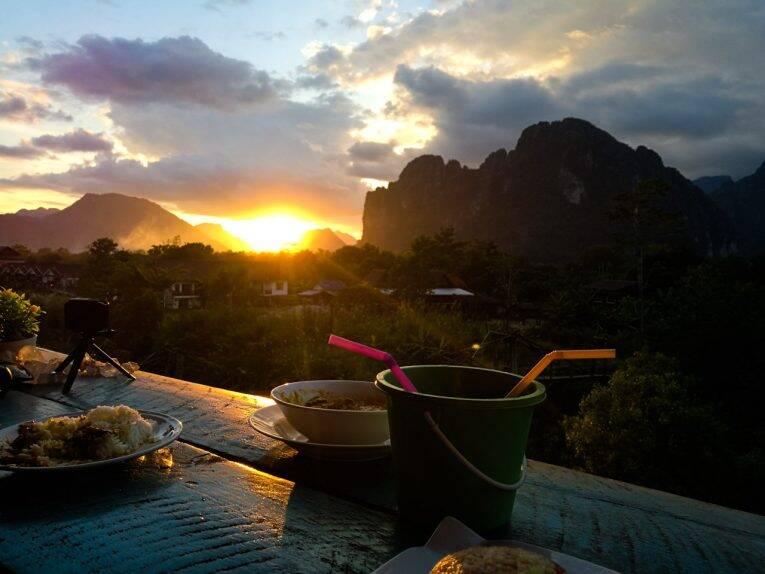 Namsong view guesthouse & restaurant, em Vang Vieng Laos.