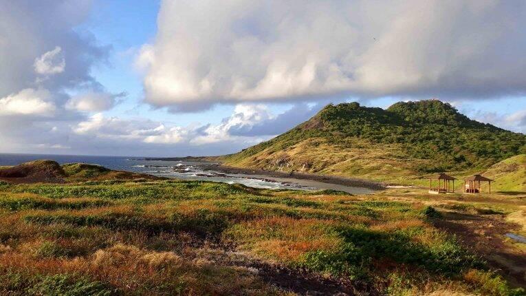 Praia das Caieiras na época de seca em Fernando de Noronha.