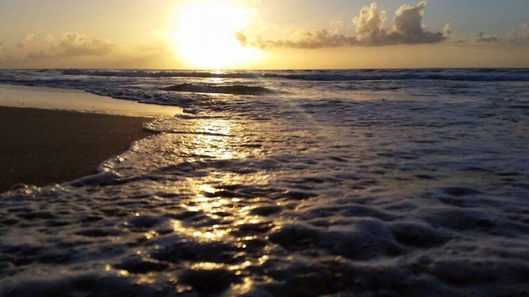 Pôr do sol na Praia do Boldró.