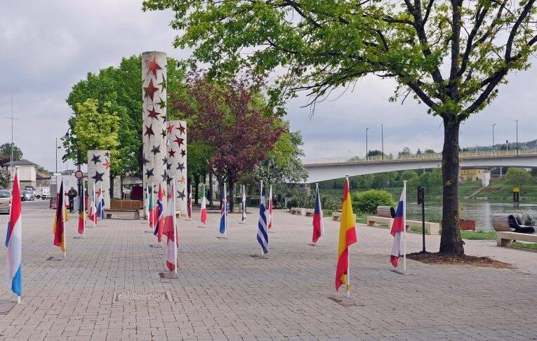 Bandeiras dos países do Tratado de Schengen.