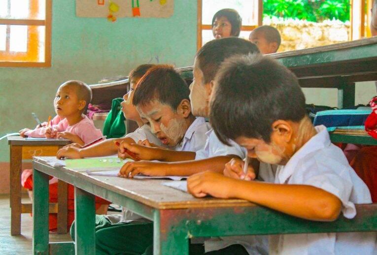 um dia das crianças - Hsipaw, Myanmar