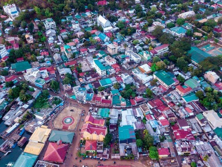 O centrinho e as ruas de Coron Town.   Foto: Bruno/@naproadavida