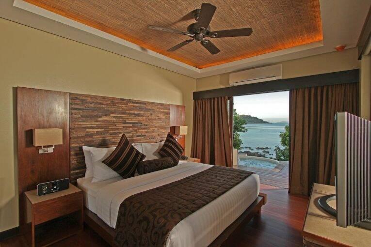 Suíte com vista para o mar no Two Seasons Resort.   Foto: divulgação/booking.