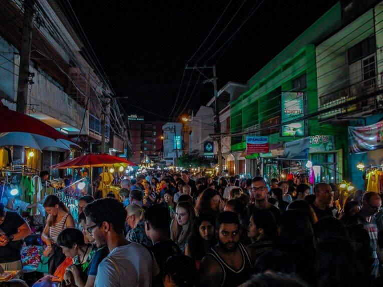 Um dos Night Market de Chiang Mai. | Foto: Bruno/@naproadavida