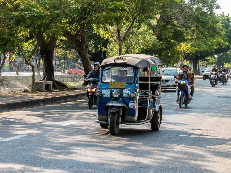 Tuk Tuk nas ruas de Chiang Mai. | Foto: Bruno/@naproadavida