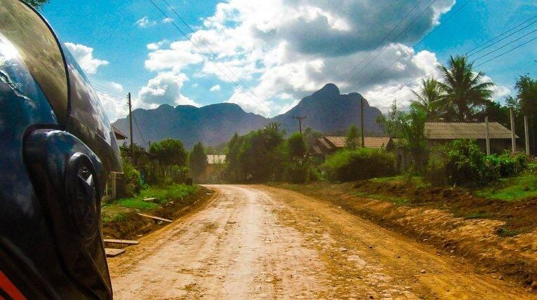 Estradas do Laos.