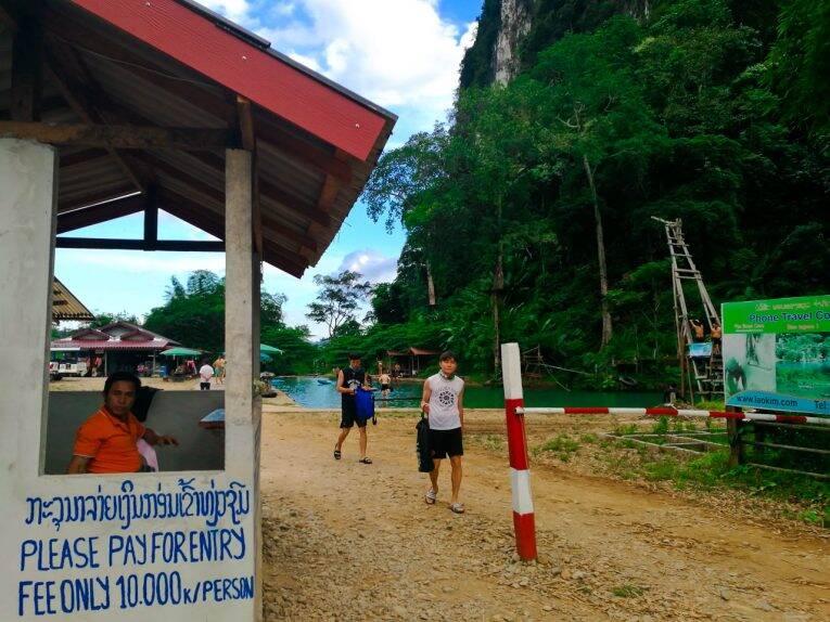 As lagoas e cavernas de Vang Vieng, no Laos.