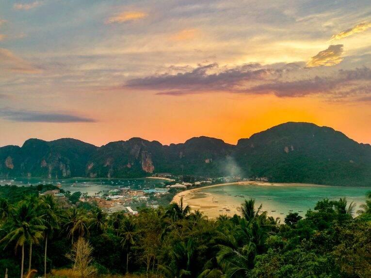 Pôr do sol visto do viewpoint 2 de Phi Phi.