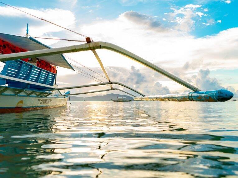 Barcos que saem para os passeios em Port Barton. | Foto: Bruno/@naproadavida