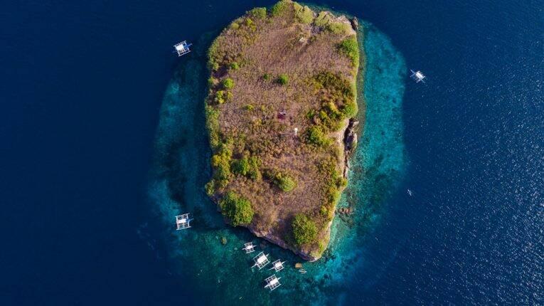Pescador Island vista de cima. Uma das paradas do passeio de barco em Moalboal