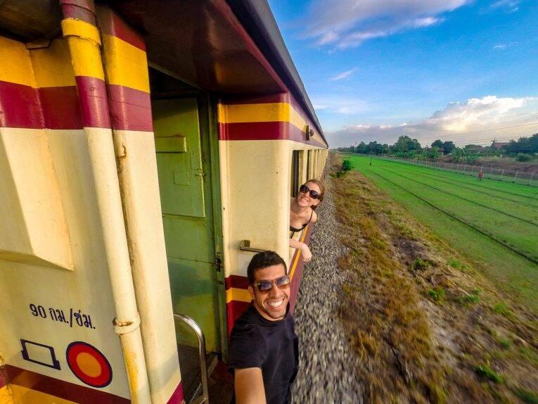 No trem de Bangkok a Chiang Mai.