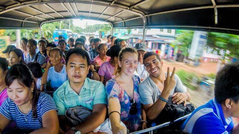 Transporte para chegar na Golden Rock, no Myanmar.
