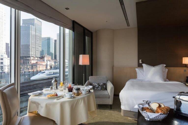 Este sim é um hotel 5 estrelas! É o maravilhoso Four Seasons Tokyo at Marunouchi. Saiba como reservar pelo Booking