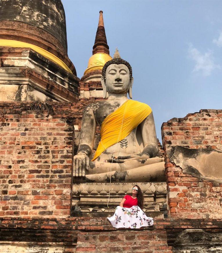 Mariana na Tailândia, prova que dá para viajar sem falar inglês.