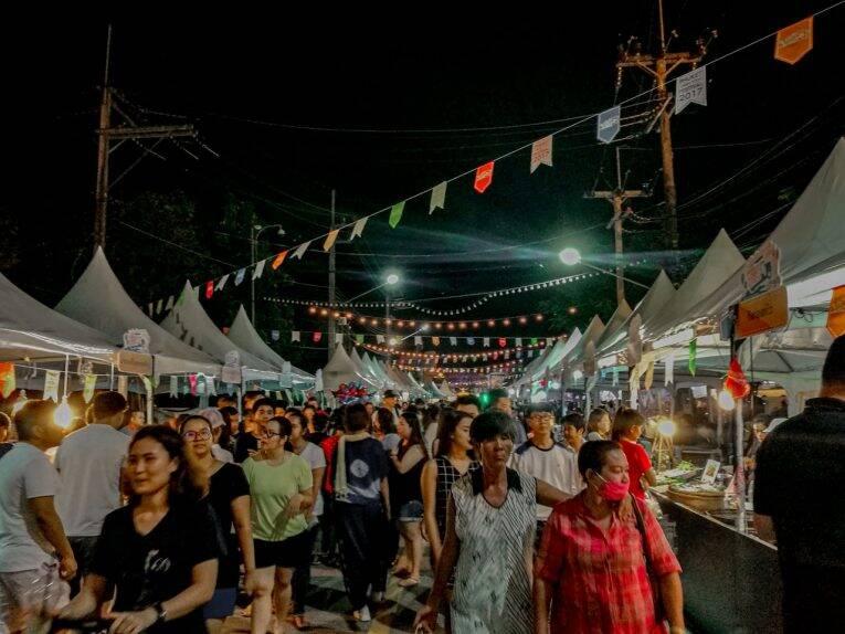 Night Market em Phuket é uma das principais coisas para fazer a noite.