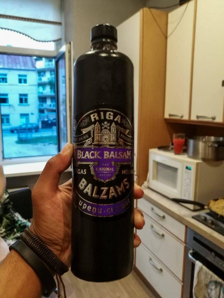 Black Balsam de Riga uma das bebidas típicas da Letônia