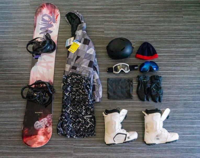 Como organizar uma mala para uma viagem de ski ou snowboard?