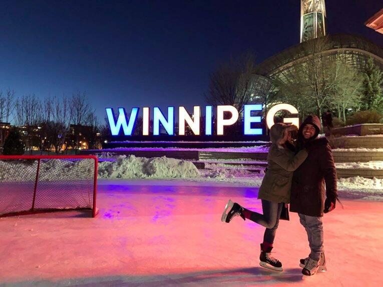 Em uma das pistas de patinação do The Forks, no centro de Winnipeg.
