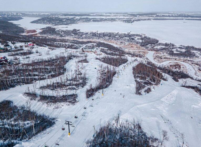 A região de Asessippi e as pistas de ski vistas e cima (Manitoba, Canadá) - Winnipeg no inverno