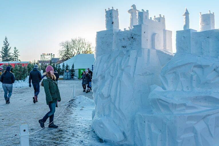 Castelo de gelo no Festival du Voyageur em Winnipeg.