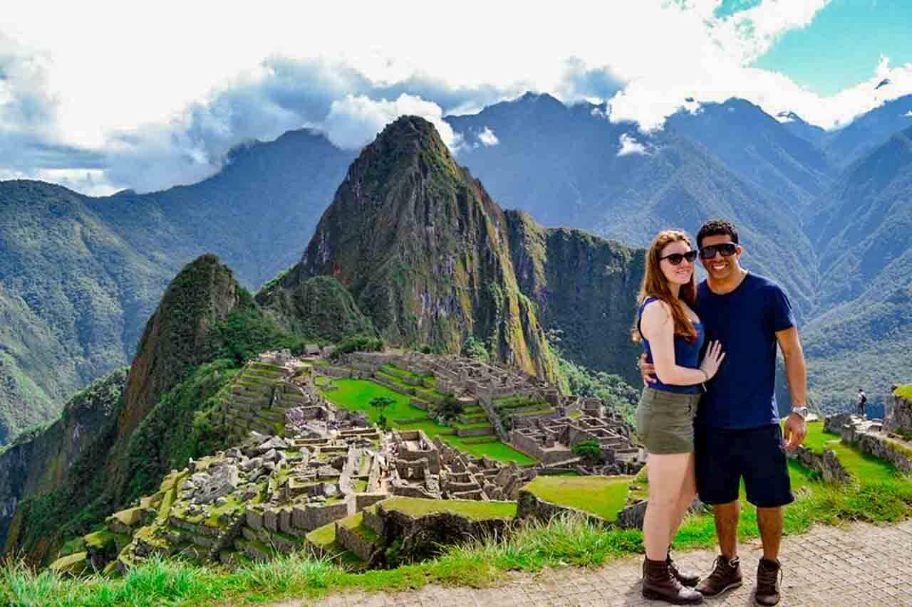 Ao final de uma de nossas primeiras trilhas, em Machu Picchu no Peru. - levar para uma trilha