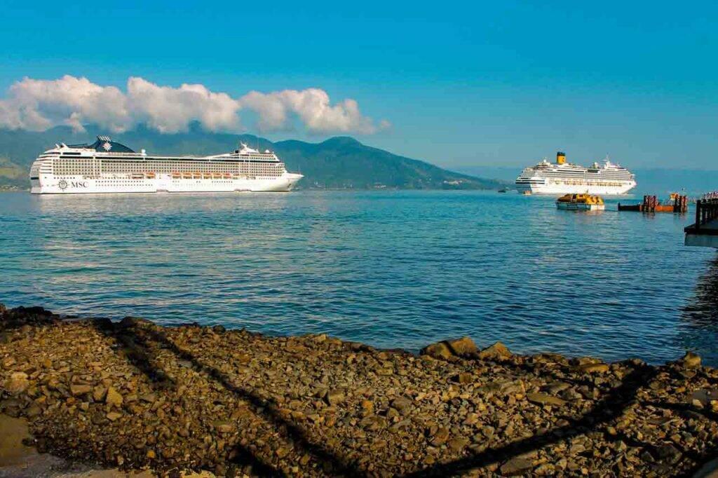Navios da MSC e Costa Cruzeiros em Ilhabela, SP. - MSC Cruzeiros tarifas