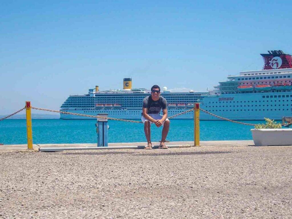 Costa Mediterranea o começo no porto de Katakolon, Grécia