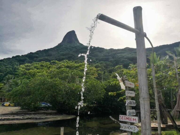 Vista privilegiada do Pico do Pão de Açúcar no Saco do Mamanguá, Paraty Rio de Janeiro.