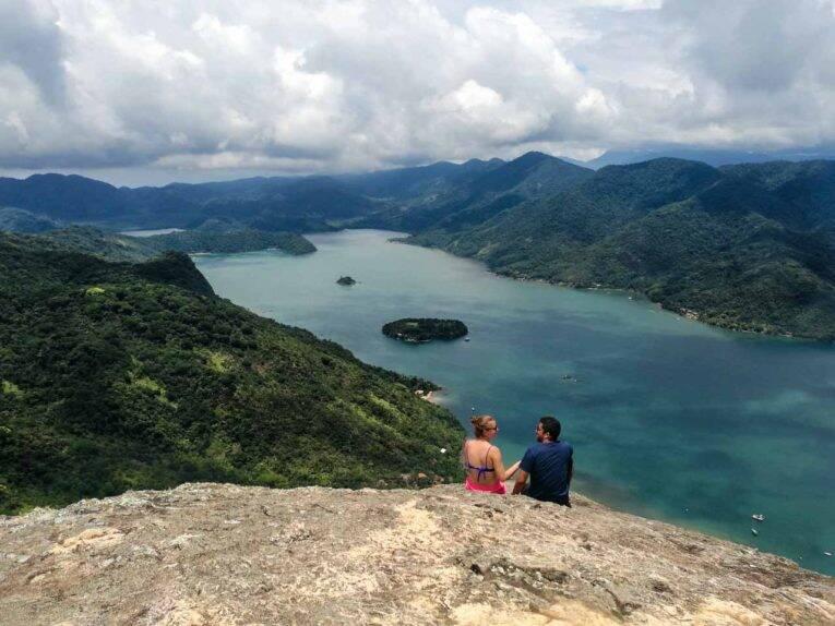 A vista absurda do Saco do Mamanguá, esse paraíso em Paraty.