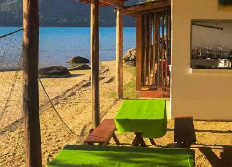 Restaurante do Cruzeiro na praia de mesmo nome.