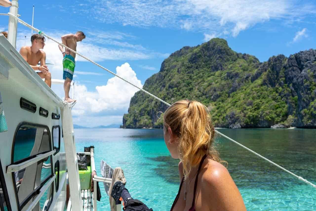Passeio de barco é uma das principais atividades da região.