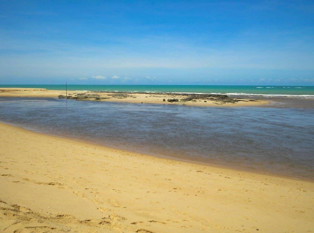 Praia com rio no Nordeste Brasileiro? Temos!