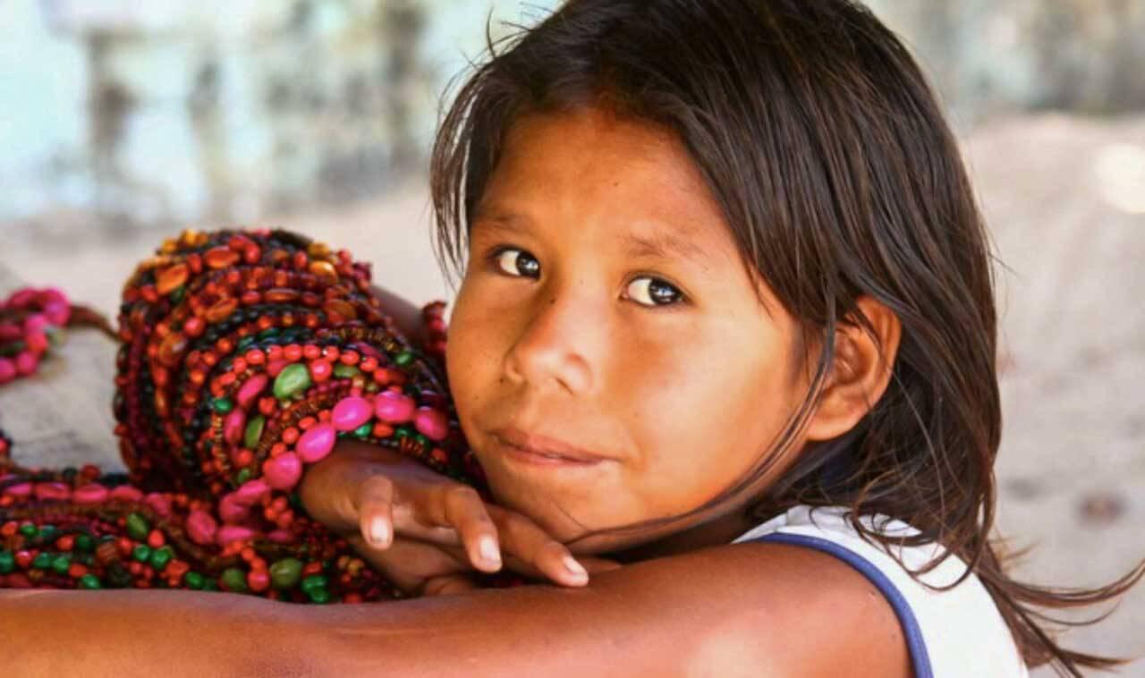 Índiazinha da tribo Pataxó.
