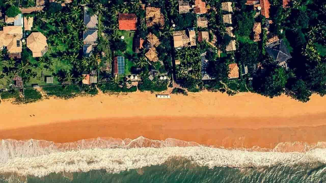 Foto de drone em Caraíva na Bahia.