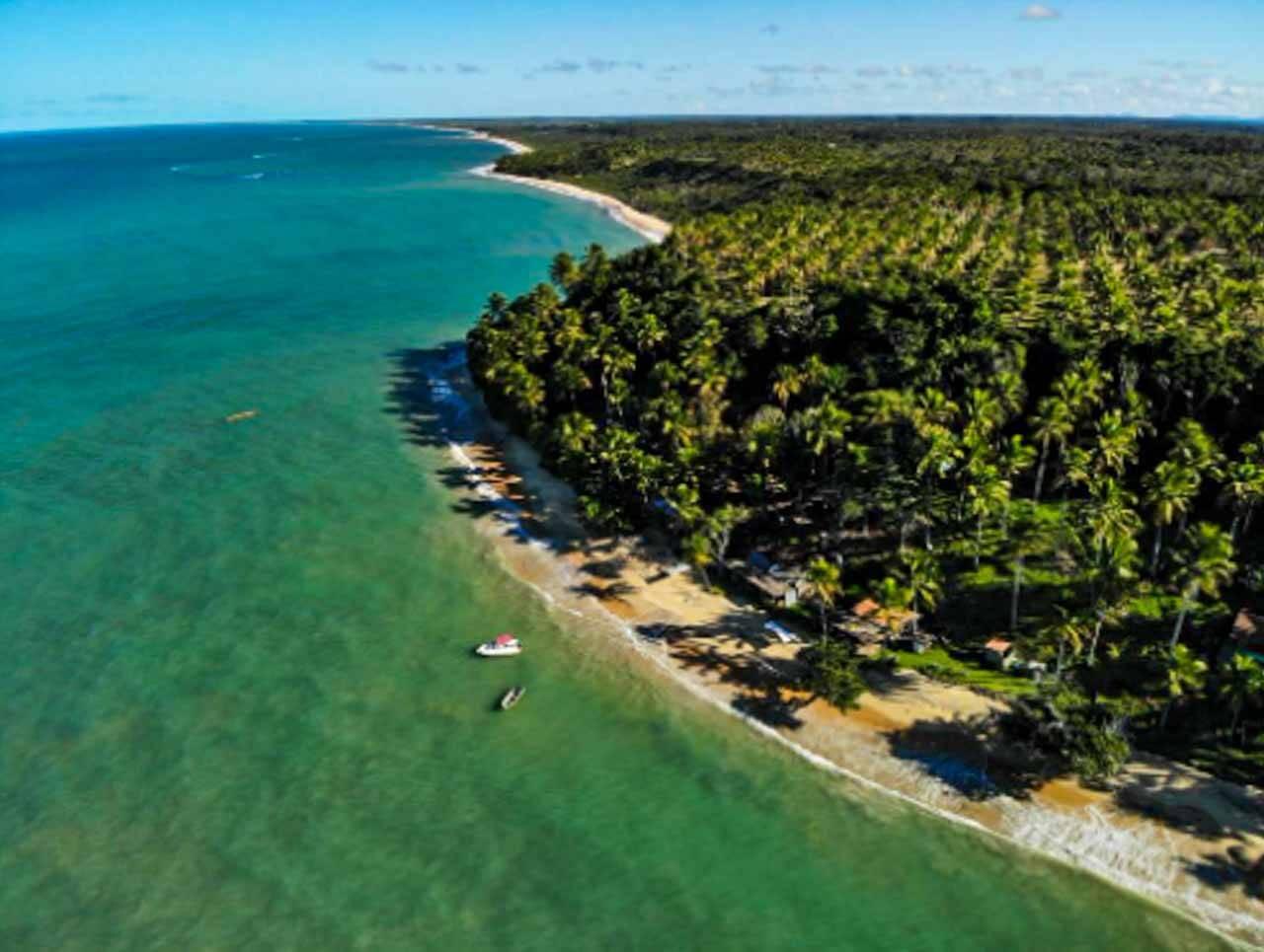 Foto de drone de Caraíva na Bahia.