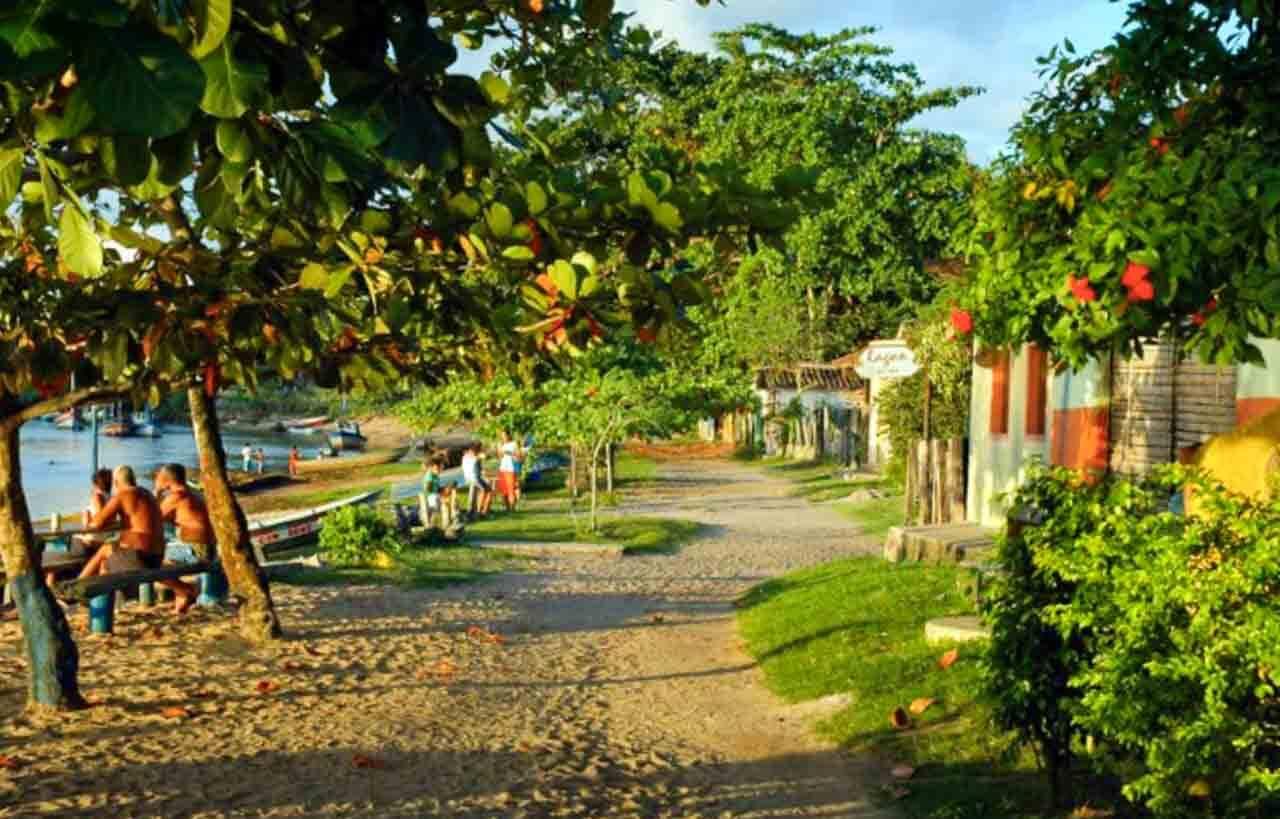 A orla de Caraíva na Bahia.