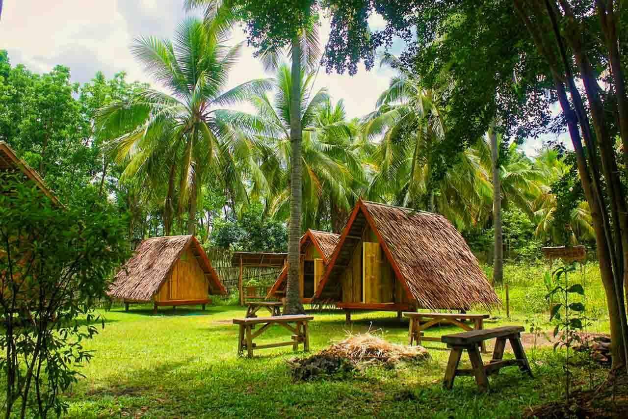 Nossa dica de onde ficar em Moalboal: Archery-Asia Nipa Huts Moalboal nas Filipinas.