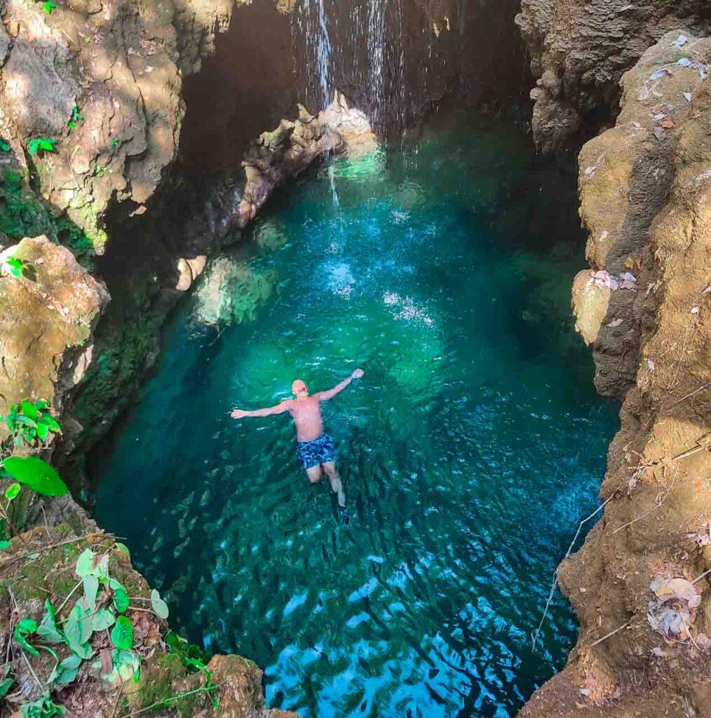 Will aproveitando a região da cachoeira da Boca da Onça